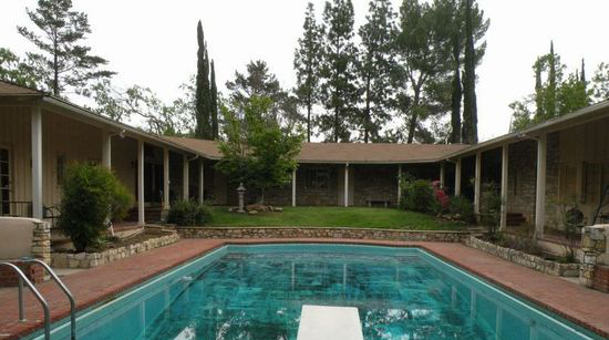 T. R. Craig Residence (Peppergate Ranch) Courtyard
