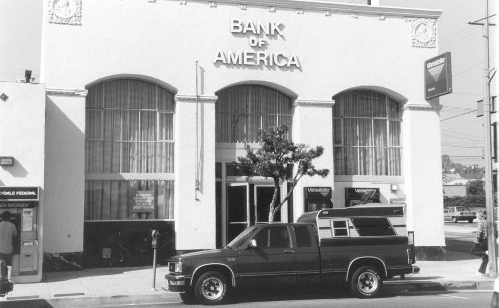 York Boulevard State Bank - Bank of America and Store Fronts